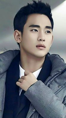 He won the Daesang the Highest Award for tv.drama at 7th Korean Drama Awards as Best Actors