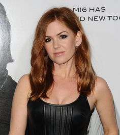 Isla Fisher Chopped Off 10 Inches of Hair, Looks Incredible