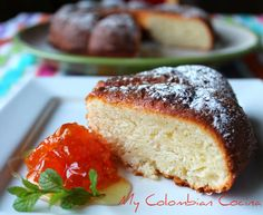 Torta de Limón Colombian Recipes, Colombian Food, I Foods, Baked Goods, Banana Bread, French Toast, Bakery, Sweets, American