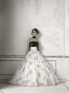 Justin Alexander  Wedding Dresses Photos on WeddingWire  I see this one on Jassie!!!