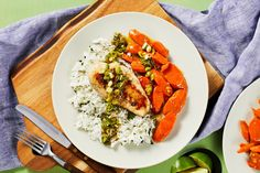 Looking for a quick and tasty weeknight dinner recipe? Our Sriracha Pesto Chicken will hit the spot and is ready in just 20 minutes. Chicken Pesto Recipes, Pesto Chicken, Cilantro Rice, Sriracha Chicken, Hello Fresh Recipes, Chicken Cutlets, Meal Planning, Bon Appetit