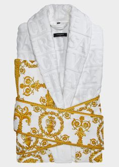 Versace I ♥ Baroque Bathrobe - Home Collection | Official Website. The I ♡  Baroque jacquard bathrobe is crafted in absorbent cotton with printed borders.