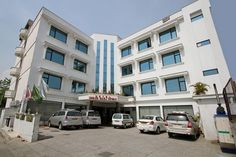 Hotel Shree Hari Niwas,One of the finest #hotels in #Katra is synonymous for providing the right blend of service, #luxury and quiet efficiency.  Both business travelers and #tourists can enjoy the hotel's #facilities and services. hotel shri hari niwas katra is built around a unique concept that provides facilities like 52 Rooms, restaurant, conference and party hall with personalized attention. #travel #stay