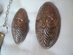 Great site for Viking jewelry and brooches