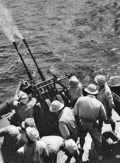 IJN Type 96 25 mm AA gun in action, South Pacific 1942.