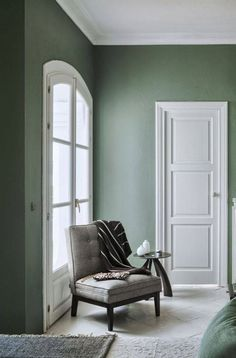 Trending- Moody Greens: Green Smoke Farrow & Ball I have been seeing quite a bit of this gray green paint color. Rich and earthy, don't you think?