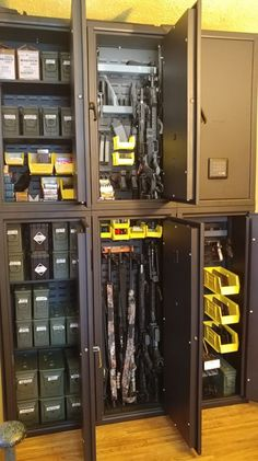 Wanting something new? Try the Agile Quad system to store ammo, guns, accessories, and any type of valuable you can imagine. 😎 Head to the website now to get yours! Hidden Gun Safe, Hidden Gun Storage, Ammo Storage, Weapon Storage, Locker Storage, Gun Safe Room, Reloading Room, Gun Vault, Panic Rooms