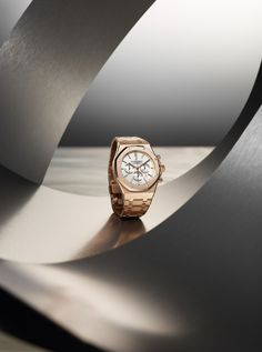 Discover recipes, home ideas, style inspiration and other ideas to try. Watches Photography, Photography Poses For Men, Jewelry Photography, Still Life Photography, Nature Photography, Advertising Photography, Commercial Photography, Audemars Piguet, Jewellery Advertising