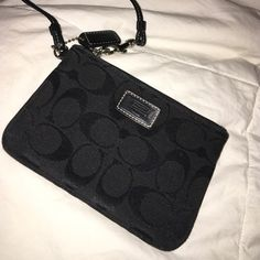⚫️COACH⚫️wristlet NWOT. Never used. Given as a gift. Not my style. Coach Bags Clutches & Wristlets