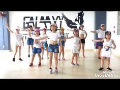 Zumba kids Toca Toca - YouTube Zumba Kids, Made With Vivavideo, Kid Rock, Dance Moves, 8 Martie, Songs, Music, Youtube, Fiestas