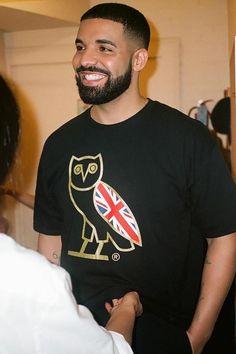 8b55e2ea106 Drake is in a good mood with his OVO British Tee Drake Fashion