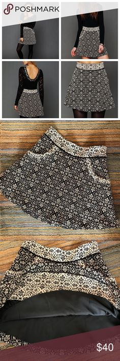 Free People Circle skirt Free People carpet bag Circle skirt. This skirt is new! Fully lined with pockets and side zip. High waisted with contrasting waistline. Lovely print and fit. Free People Skirts Mini