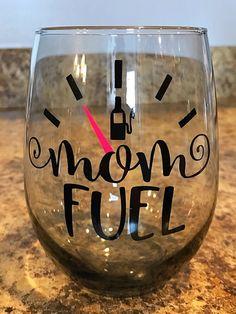 Disney Wine Glasses, Cute Wine Glasses, Birthday Wine Glasses, Painted Wine Glasses, Vinyl Glasses, Christmas Wine Glasses, Decorated Wine Glasses, Stemless Wine Glasses, Wine Glass Sayings