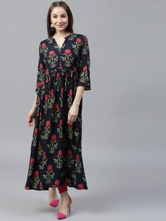 Look classy and stylish in this piece and revel in the comfort of the soft fabric. Relax in comfort and style in this Exotic Printed Tunic Top. This kurta is made of material which is soft and comfortable to wear. Indian Clothes, Indian Outfits, Kurti Designs Party Wear, Indian Wear, Soft Fabrics, Fashion Dresses, Tunic Tops, Classy, Elegant