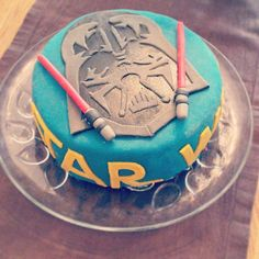 No lightsabers needed to cut this cake.  Source: Instagram user 3katrine