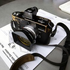 Leica Black Paint M4 and 21mm Super-Angulon