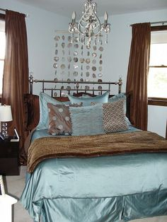 Master bedroom - turquoise and brown