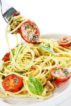 http://www.tinynewyorkkitchen.com/recipe-items/basil-and-tomato-spaghetti/