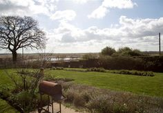 HLY147 http://www.norfolkproduction.co.uk/location-details.aspx?location=hly147_1 #norfolk #shoot #locations #view #countryside #modern #contemporary #garden