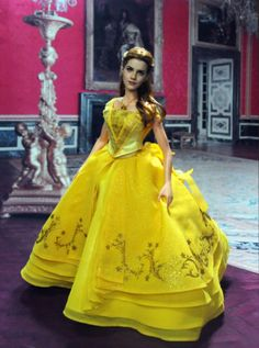OOAK-Disney-Store-Belle-Beauty-amp-the-Beast-2017-doll-repaint-by-Noel-Cruz