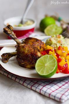 Kurczak cajun z salsą z mango i guacamole