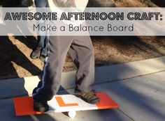 Make a balance board Big Kids, Diy For Kids, Cool Kids, Craft Activities For Kids, Preschool Ideas, Dads, Pet Water Fountain, Balance Board, Diy Presents
