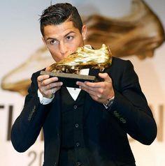 Bota de oro para el mejor jugador del mundo Cristiano Ronaldo