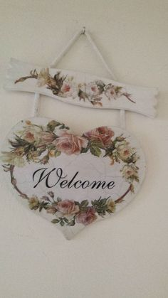 Want to know more about how to Shabby chic furniture Decoupage Vintage, Decoupage Art, Shabby Chic Crafts, Shabby Chic Homes, Wood Crafts, Diy And Crafts, Arts And Crafts, Heart Crafts, Craft Show Ideas