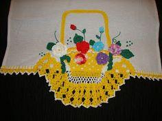 pano de prato cesta de croche com flores  c     pano de prato cesta de croche com flores      pano de prato borboleta de croche barrado  ...