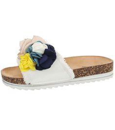 Pohodlné šľapky s 3D kvetinou od značky Mulanka Tvarovaná korková stielka zabezpečí pohodlie po celý deň. Espadrilles, Sandals, Shoes, Fashion, Espadrilles Outfit, Moda, Shoes Sandals, Zapatos, Shoes Outlet