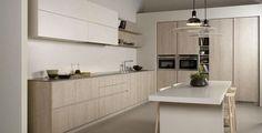 Cocina blanca y roble