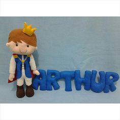 Rei Arthur e nome em feltro