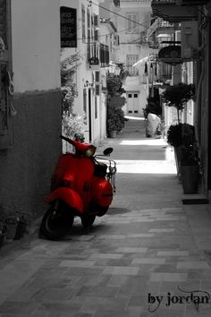 #blackandwhite #vespa #red #vesparossa #nauplio Vespa, Landscapes, Red, Hornet, Paisajes, Vespas, Scenery