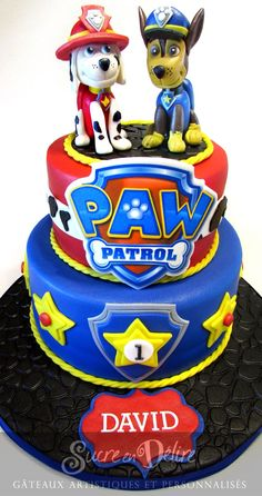 Pat' patrouille Paw Patrol Badge, Paw Patrol Party, Paw Patrol Birthday, Cake Disney, How To Use Fondant, Paw Patrol Decorations, Character Cakes, Modeling Chocolate, Boy Decor