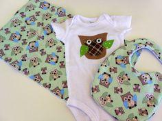 Free USA shipping Appliqued Owl onesie bib & by Stitchedbygigi, $24.95