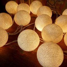 Fio de luz - Bolas brancas