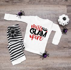 Miss Glampire Halloween Infant or Kids Pajamas - Halloween Pajamas for Kids - Vampire Pajamas for girls - halloween shirt for kids by TwinkleTwinkleTees on Etsy Halloween Pajamas, Baby Halloween, Halloween Shirt, Halloween Treats, Halloween Costumes, Mommy And Son, Mommy And Me Shirt, Pyjamas, Kids Christmas Pjs