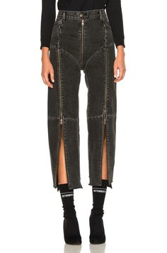 Image 4 of VETEMENTS x Levis Reworked Zip Denim in Black Source by alaskastacy clothes Denim Fashion, High Fashion, Fashion Outfits, Womens Fashion, Fashion Tips, Fashion Trends, Pastel Fashion, Fashion Quotes, Fashion Fashion
