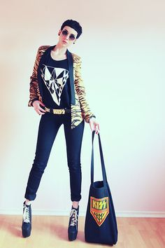 Kiss Army (by Nora Lovely) http://lookbook.nu/look/4749629-Kiss-Army