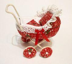 Carrozzina rossa - Doll Pram / Dolhouse miniatura Toy, Baby Shower o compleanno regalo per ragazza
