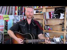▶ Billy Bragg: NPR Music Tiny Desk Concert - YouTube