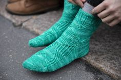 Emma Karvosen Lumikello-sukat | Taitolehti Socks, Sock, Stockings, Ankle Socks, Hosiery