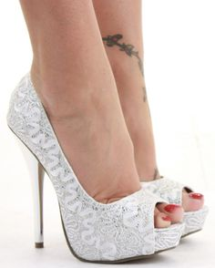 Wedding high heels silver | Wedding theme blog