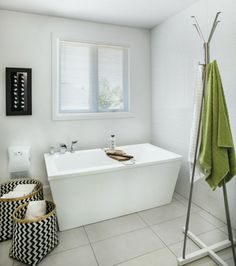 Une déco sans démesure | Les idées de ma maison © TVA Publications | François Laliberté #deco #salledebain #bain #blanc