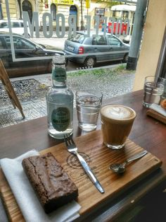 Coffee room and #gin&tonic #breakfast  #flatwhite Coffee in Prague