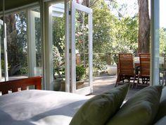 Mount Dandenong : $235 to $350 per night. Sleeps 6, 4 beds