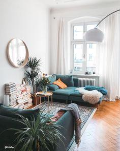 altbau liebe in diesem wunderschonen esszimmer stimmt einfach jedes detail zwei super bequeme sofas