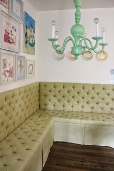 10 More Amazing Ikea Hacks that will blow your mind! - I want to make this unbelievable banquet using Ikea shelves!