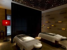The spa also offers a vast array of luxury therapeutic massages like a Himalayan warm stone massage and a detoxifying crystal body polish.