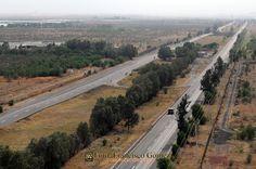 Nezahualcóyotl, Méx. 23 de abril 2013. Parte de la Autopista Peñón-Texcoco, arteria vial que nace o termina en la Zona Norte de nuestro municipio. Foto. Francisco Gómez